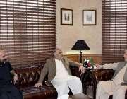 پشاور، وزیراعلی خیبرپختونخوا محمود خان سے سپیکر قومی اسمبلی اسد قیصر ..