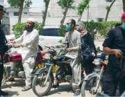 حیدرآباد: لطیف آباد میں  COVID-19 کو روکنے کے لئے احتیاطی اقدامات کے طور ..