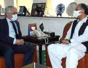 اسلام آباد، وفاقی وزیر برائے توانائی عمر ایوب سے مصری سفیر ملاقات کر ..