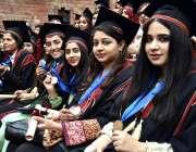 لاہور: کنیرڈ کالج برائے خواتین یونیورسٹی کے 83 ویں کانووکیشن کے دوران ..