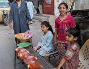 کراچی: سندھ گورنمنٹ کی جانب سے کورونا وائرس کے پھیلاو کوروکنے کے لیے ..