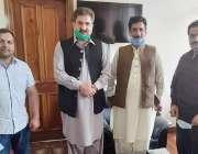 مظفر آباد: وزیر اطلاعات راجہ مشتاق احمد منہاس سے سابق مشیراطلاعات مرتضی ..