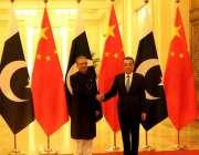 بیجنگ: صدر عارف علوی نے  پریمیر لی کیکیانگ سے ملاقات کی۔