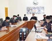 سوات:ضلعی پولیس آفیسر قاسم علی خان کرائم اجلاس کی صدارت کر رہے ہیں۔