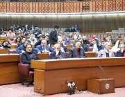 اسلام آباد: وزیر اعظم عمران خان پارلیمنٹ ہاؤس میں قومی اسمبلی کے اجلاس ..