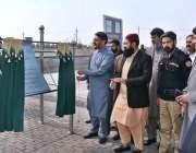 فیصل آباد: صوبائی وزیر فشر ملک اسد علی کھوکھر ستیانہ روڈ پر ماہی گیری ..