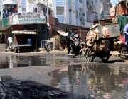 کراچی:بھیم پورہ بلاول ولیج  کے سامنے سیوریج کا پانی جمع ہے جس کے باعث ..