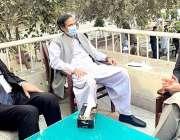 لاہور، سپیکر پنجاب اسمبلی چوہدری پرویز الہی سے وزیراعظم کے مشیر زلفی ..