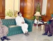 کوئٹہ: وزیراعلی بلوچستان جام کمال خال سے صد ر کوئٹہ پریس کلب رضا الرحمان ..