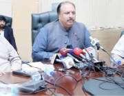 لاہور : صوبائی وزیر زراعت ملک نعمان لنگڑیال زراعت ہاؤس لاہور میں پریس ..