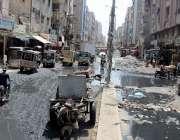 کراچی: لیاری شاہ عبدالطیف بھٹائی روڈ عرصہ دراز سے ٹوٹ پھوٹ کا شکار ہے ..
