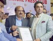 لاہور: پیپلز پارٹی کے چیئر مین بلاول بھٹوزرداری کو لاہور پریس کلب کے ..