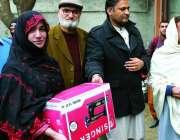 سوات :محکمہ سماجی بہبود کے تحت ماحول دوست شاپنگ بیگز کی تیاری کیلئے ..