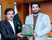 اسلام آباد: ڈپٹی اسپیکر قومی اسمبلی قاسم خان سوری کوئٹہ سے پارلیمنٹ ..