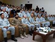 کراچی: پاک بحریہ کے سربراہ ایڈمرل ظفر محمود عباسی نے پاک بحریہ اور بہن ..