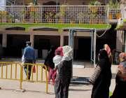 حیدرآباد، سول ہسپتال کی او پی ڈی بند ہونے کے باعث مریض او پی ڈی میں پریشان ..