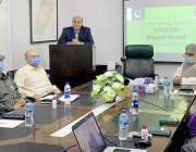 لاہور: صوبائی وزیرقانون راجہ بشارت محکمہ بلدیات کے نئے افسروں کے لئے ..
