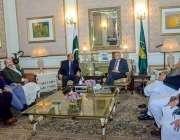 لاہور: گورنر پنجاب چوہدری محمد سرور سے صوبائی کابینہ کے 7وز راء ملاقات ..