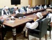 اٹک، صوبائی وزیر مال ملک محمد انور خان ڈی سی آفس اٹک میں منعقدہ ضلعی ..