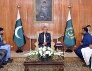 اسلام آباد: صدر ڈاکٹر عارف علوی پاکستان اسٹیل لیبر یونین کے وفد سے گفتگو ..