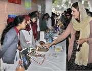 اسلام آباد: وزیر مملکت برائے موسمیاتی تبدیلی محترمہ زرتاج گل سٹی اسکول ..
