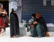 راولپنڈی، مخیر افراد کی جانب سے تقسیم کیا گیا راشن حاصل کرنے کے بعد ..