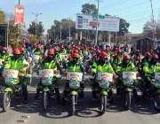 راولپنڈی: ریسکیو1122 عملہ یوم یکجہتی کشمیر کے موقع پر ریلی نکال رہے ہیں۔