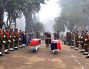 راولپنڈی: آر پی او راولپنڈی سہیل حبیب تاجک شہید پولیس اہلکاروں کی نماز ..