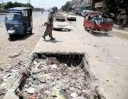 کراچی: انتظامیہ کی عدم توجہی کے باعث ماڑی پور روڈ نالے کی مخدوش حالت ..