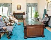 اسلام آباد: وزیر مذہبی امور  نور الحق قادری اور ایم این اے خواجہ شیراز ..