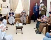 لاہور: وزیراعلی پنجاب سردار عثمان بزدار اور وزیراعلی بلوچستان جام ..