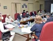 کراچی، وفاقی وزیر تعلیم شفقت محمود قائداعظم مزار مینجمنٹ بورڈ کے اجلاس ..