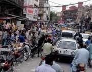 راولپنڈی: موتی بازار کے باہر تجاوزات کے باعث ٹریفک جام رہتی ہے جبکہ ..