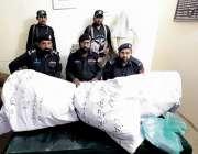ڈیرہ اسماعیل خان، تھانہ گومل یونیورسٹی کی جانب سے پکڑی گئی 99 کلو 440 ..