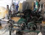 راولپنڈی: گرمی بڑھنے پر روم کولر کی مانگ میں اضافے کے سبب مقامی کارخانےمیں ..