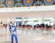 اسلام آباد: این ڈی ایم اے کا عملہ کورونا وائرس کے وباء پر قابو پانے کی ..