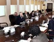 اسلام آباد: وزیر اعظم کے مشیر برائے خزانہ اور محصولات ڈاکٹر عبد الحفیظ ..