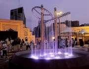 کراچی: صدر ٹاؤن میں حکومت سندھ کی جانب سے قائم پیپلز چوک کا خوبصورت ..