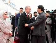 اسلام آباد: وزیر اعظم عمران خان نور خان ایئربیس پر ترک صدر رجب طیب اردگان ..
