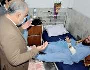 پشاور، سپیکر قومی اسمبلی اسد قیصر لیڈی ریڈنگ ہسپتال میں دیر کالونی ..