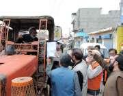 اسلام آباد، الخدمت فائونڈیشن کے رضاکار کورونا وائرس سے بچائو کی خاطر ..
