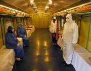 راولپنڈی، پاکستان ریلوے کی ٹرین میں بنائے گئے عارضی آئسولیشن سینٹر ..