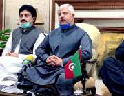 پشاور، وزیراعلی خیبرپختونخوا محمود خان پریس کانفرنس سے خطاب کر رہے ..