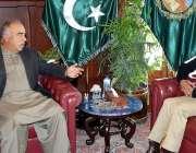 پشاور: گورنر خیبر پختونخوا شاہ فرمان نے نو تعینات انسپکٹر جنرل پولیس ..