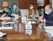 لاہور، وزیر صحت پنجاب ڈاکٹر یاسمین راشد اوار چیف سیکرٹری پنجاب کورونا ..
