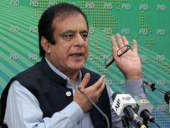 Islamabad: Federal Minister for Information & Broadcasting, Syed Shibli Faraz addressing a press conference.