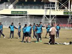 LAHORE:Players of Pakistan cricket team during practice session at Qaddafi Stadium ahead of the upcoming Twenty20 cricket series between Pakistan and Bangladesh.