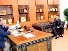 Lahore : Salahuddin Khawaja, founder of a digital literacy NGO for children 'Khud', called on Minister School Education Punjab Dr. Murad Raas.
