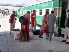QUETTA:Passengers boarding on the train to reach their destinations after partially resuming train service operate with strict standard operating procedures (SOPs) to prevent the further spread of the corona virus.
