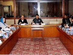 ISLAMABAD:Chairman Standing Committee on Cabinet Secretariat Syed Amin-ul-Haque chairing the Committee meeting in Parliament House.